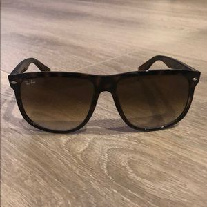 Ray-Ban RB 4147 Unisex Tortoise Sunglasses